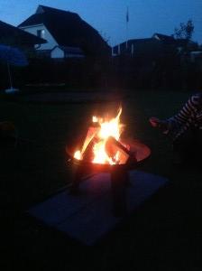 Grillen an der Feuerschale